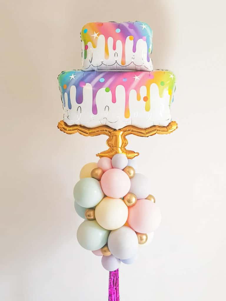 עמוד בלונים עוגה